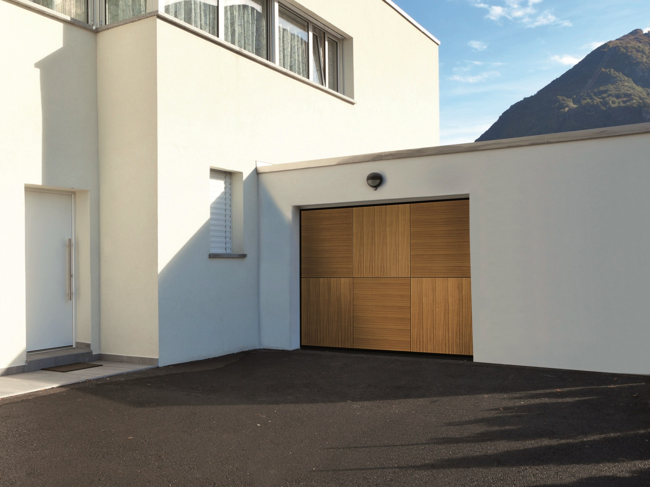 & Automatic sectional garage door RENOMATIC 2017 By HÖRMANN ITALIA Pezcame.Com