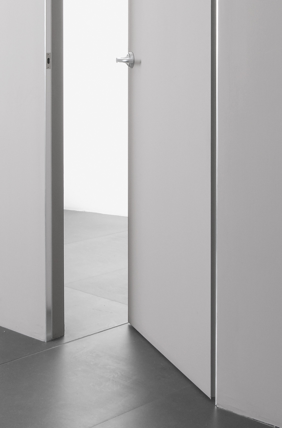 Trait flush fitting door by albed by delmonte design for Albed porte