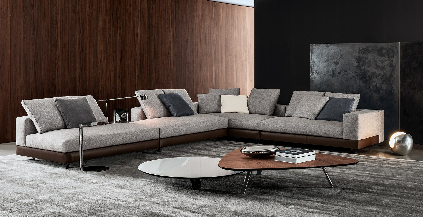 white by minotti. Black Bedroom Furniture Sets. Home Design Ideas