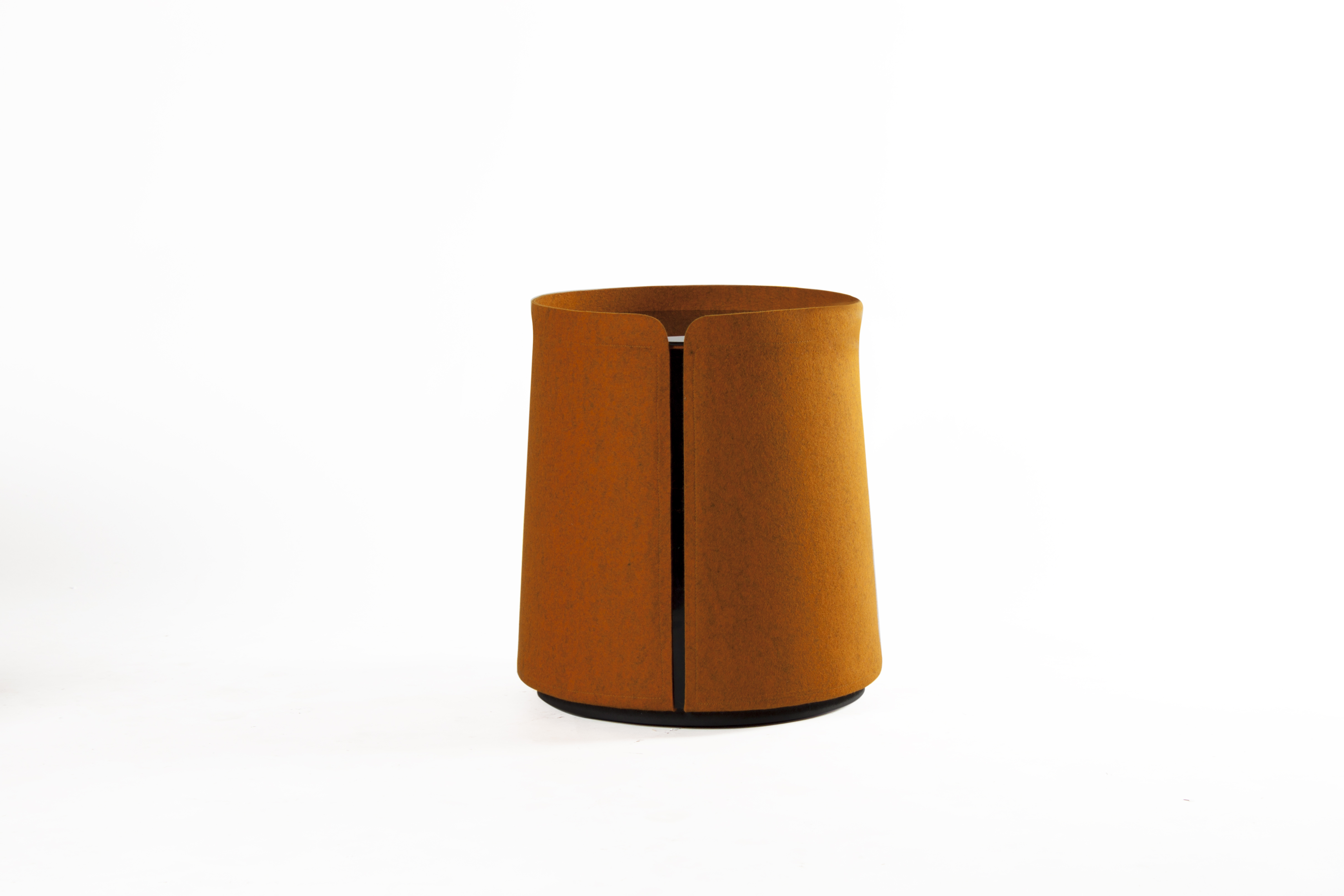 Round glass side table FIGURE By TEO design Yuno design