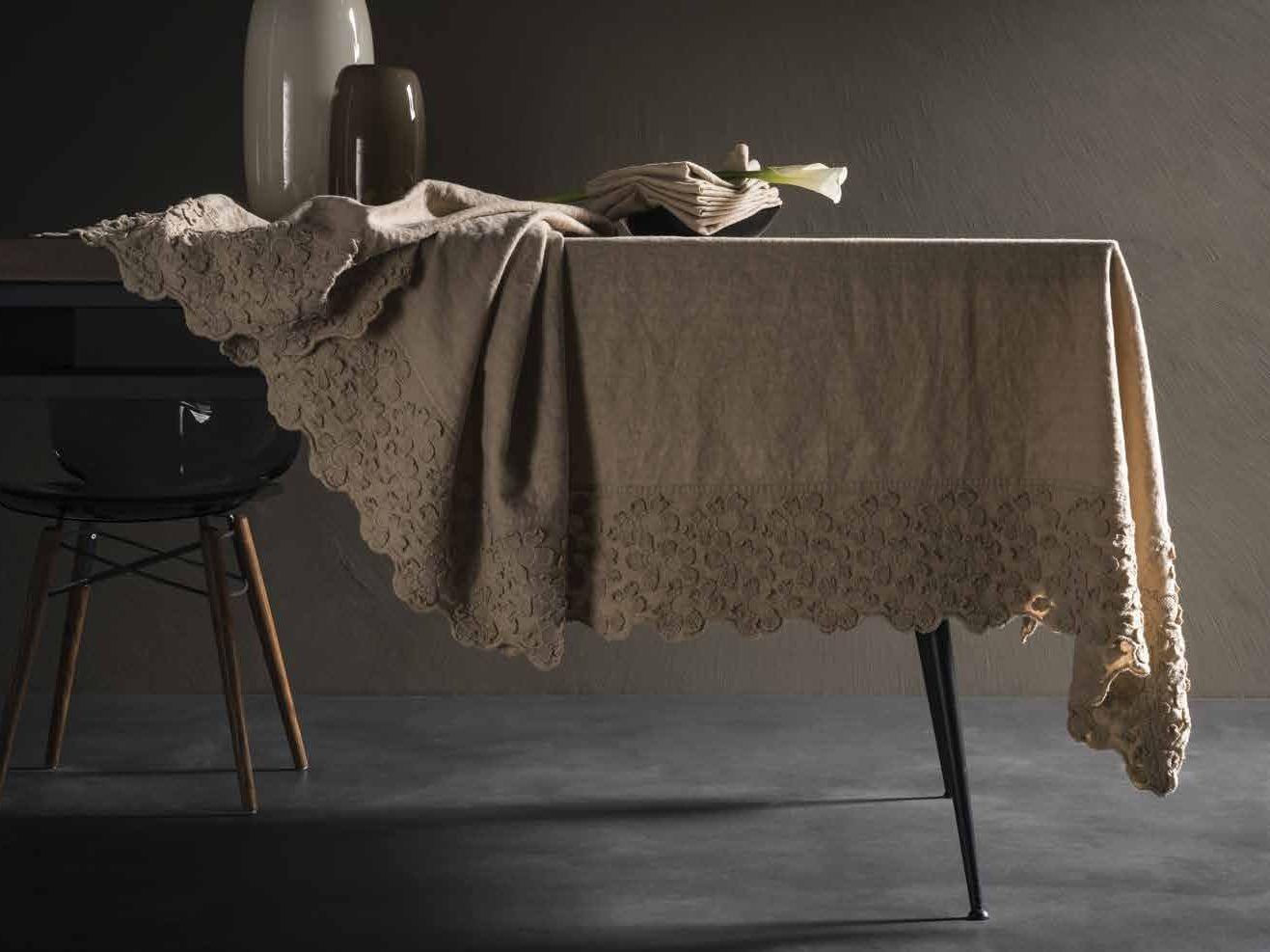 Tovaglia in lino PRIMULA | Tovaglia Collezione Decor By LA ...