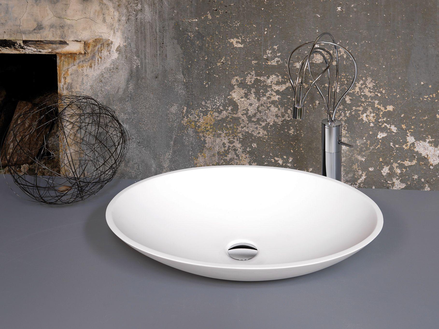 Lavello Bagno Da Appoggio casa moderna, roma italy: lavabo da appoggio ovale