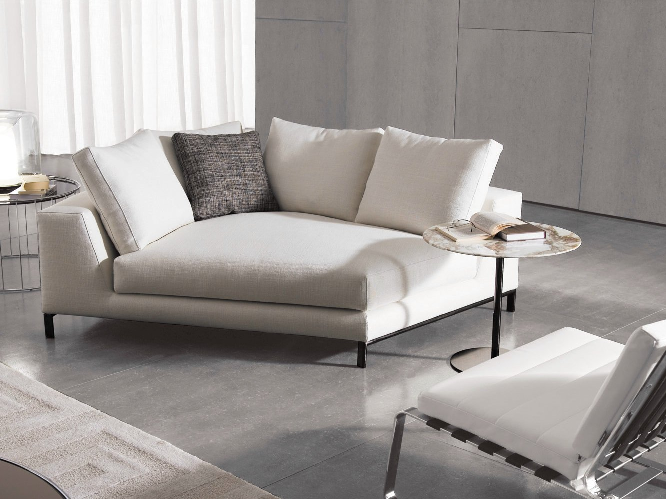 hamilton islands by minotti. Black Bedroom Furniture Sets. Home Design Ideas