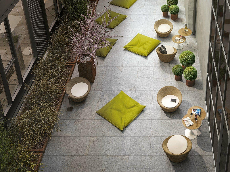bodenbelag f r den au enbereich aus glasiertem. Black Bedroom Furniture Sets. Home Design Ideas