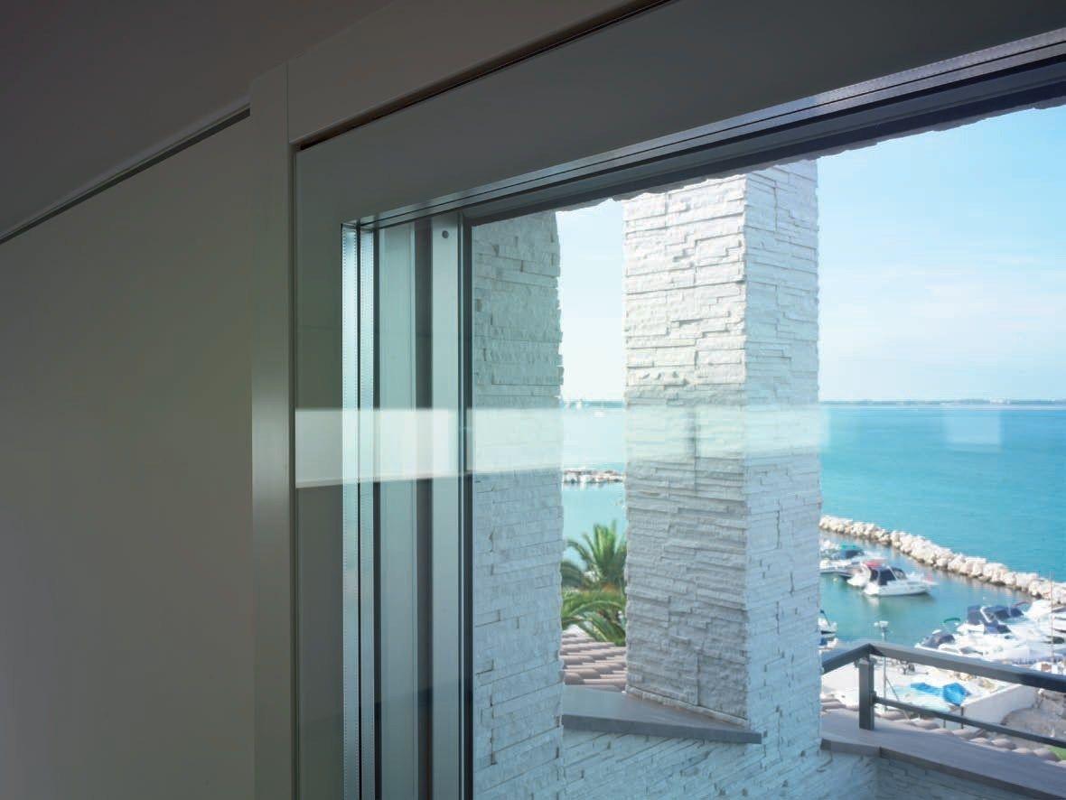 Porta finestra alzante scorrevole con triplo vetro - Finestre triplo vetro ...