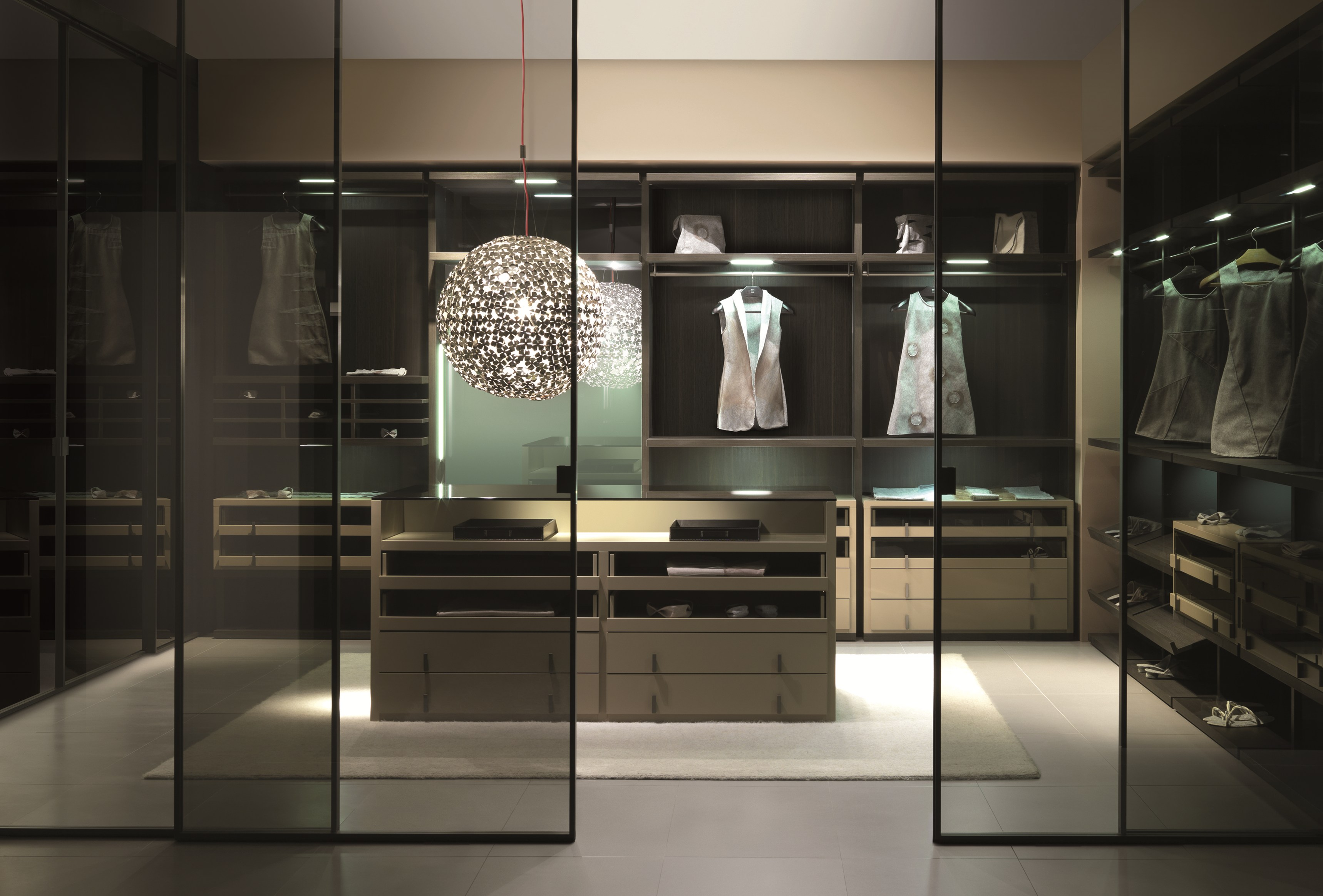 Begehbarer kleiderschrank design  MILLIMETRICA | Begehbarer Kleiderschrank By MisuraEmme Design ...