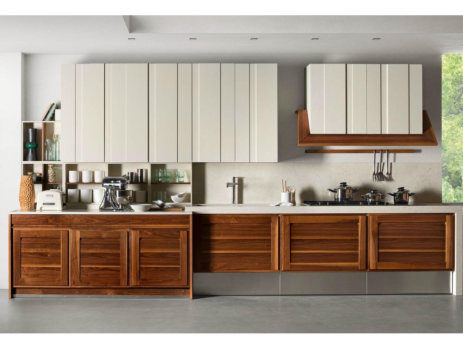 Cucina componibile in noce canaletto by l 39 ottocento - L ottocento mobili ...