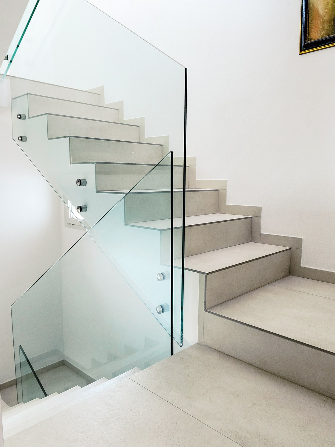 Porcelain stoneware staircase cladding by dsg ceramiche - Rivestimento scala interna ...