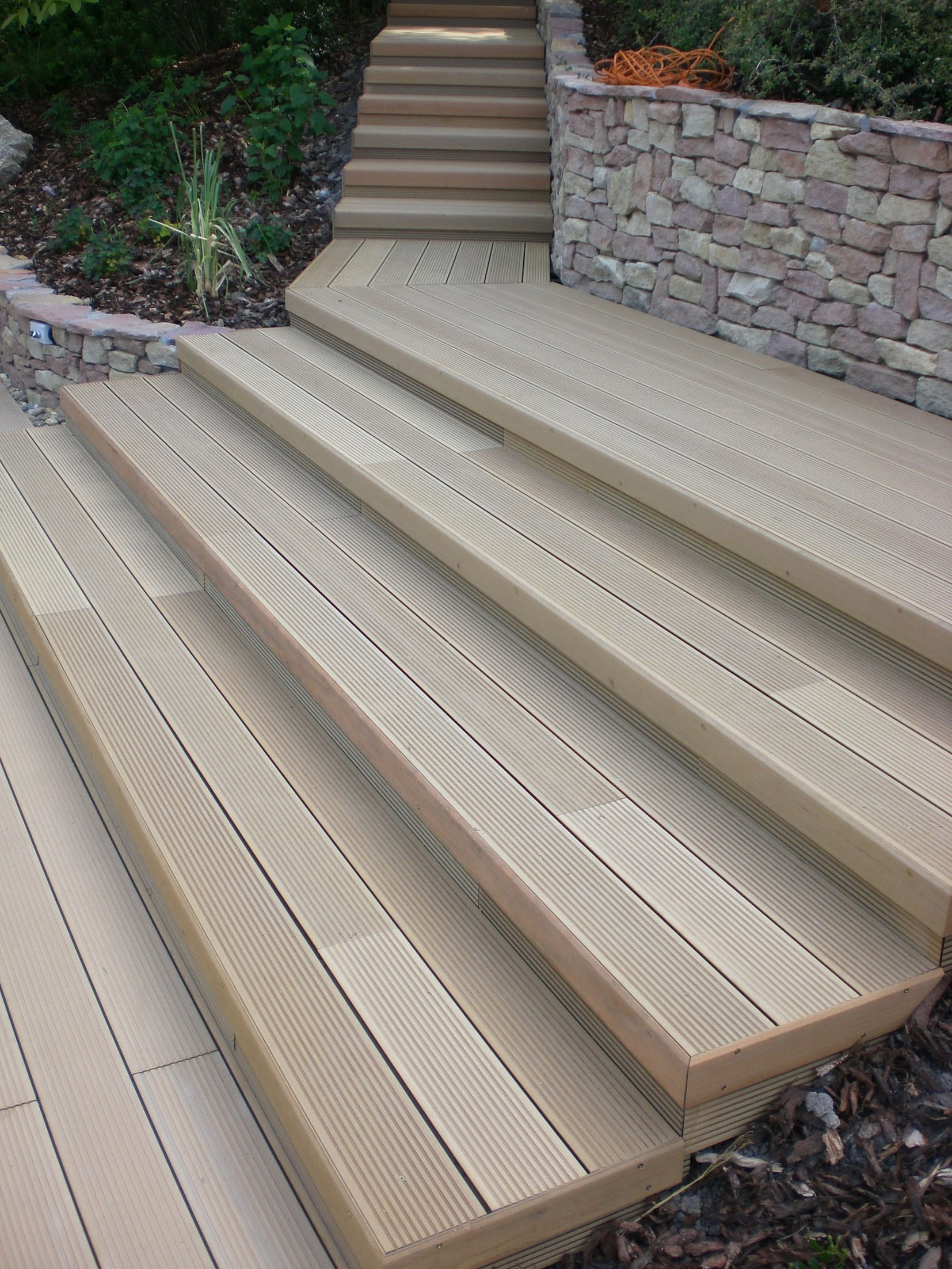 TWINSON Decking by Twinson by Deceuninck