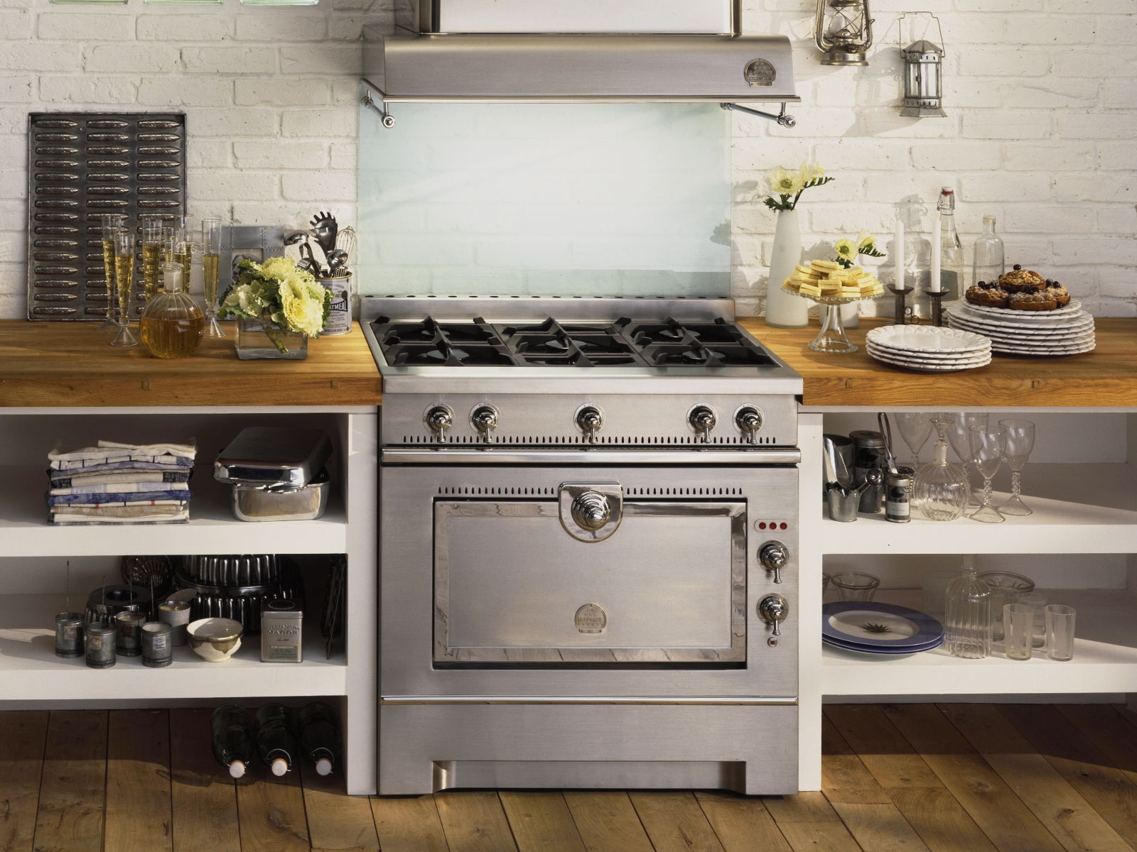 stainless steel cooker grand maman 90 by la cornue. Black Bedroom Furniture Sets. Home Design Ideas