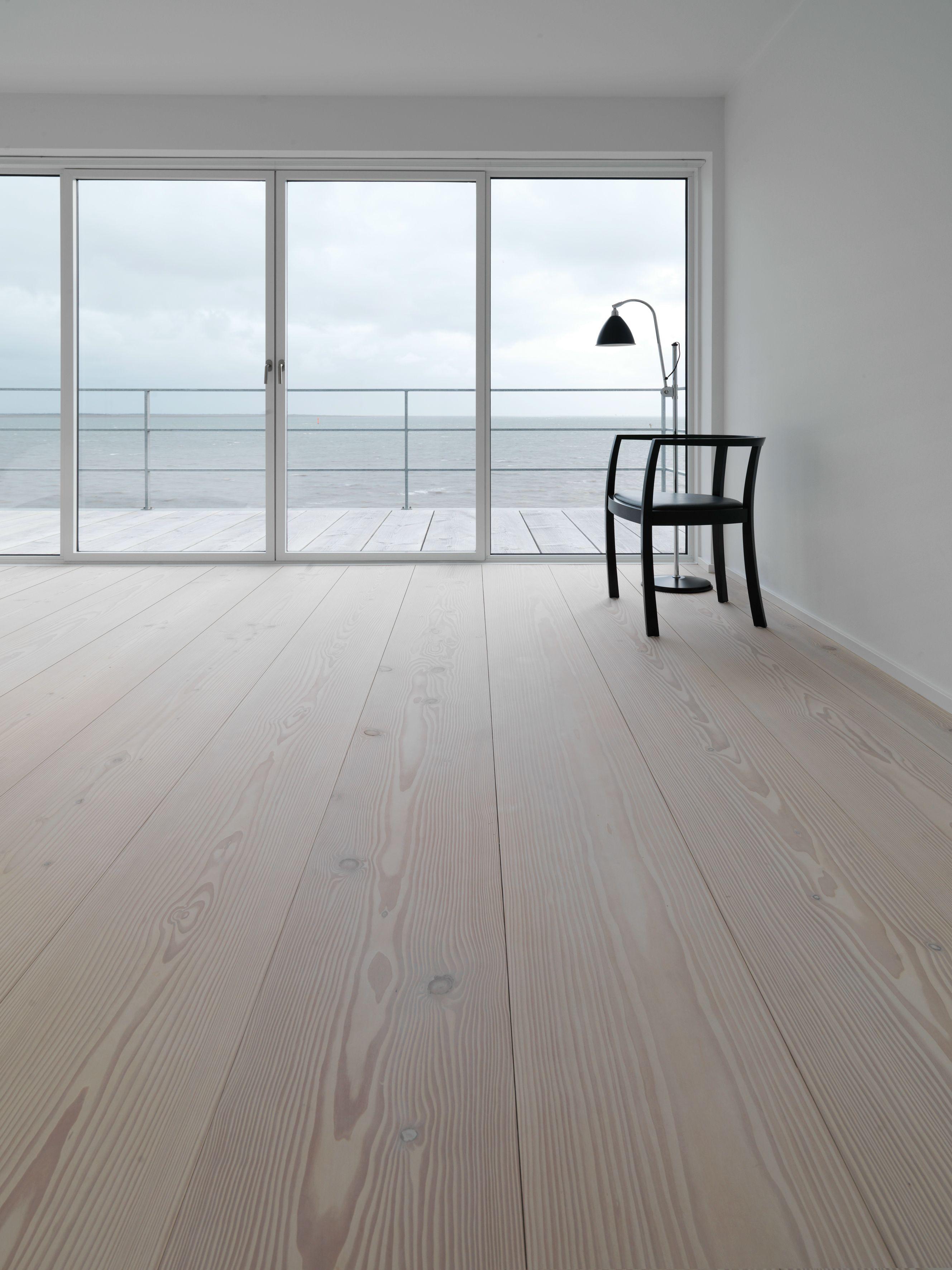 parquet en bois massif douglas by dinesen. Black Bedroom Furniture Sets. Home Design Ideas