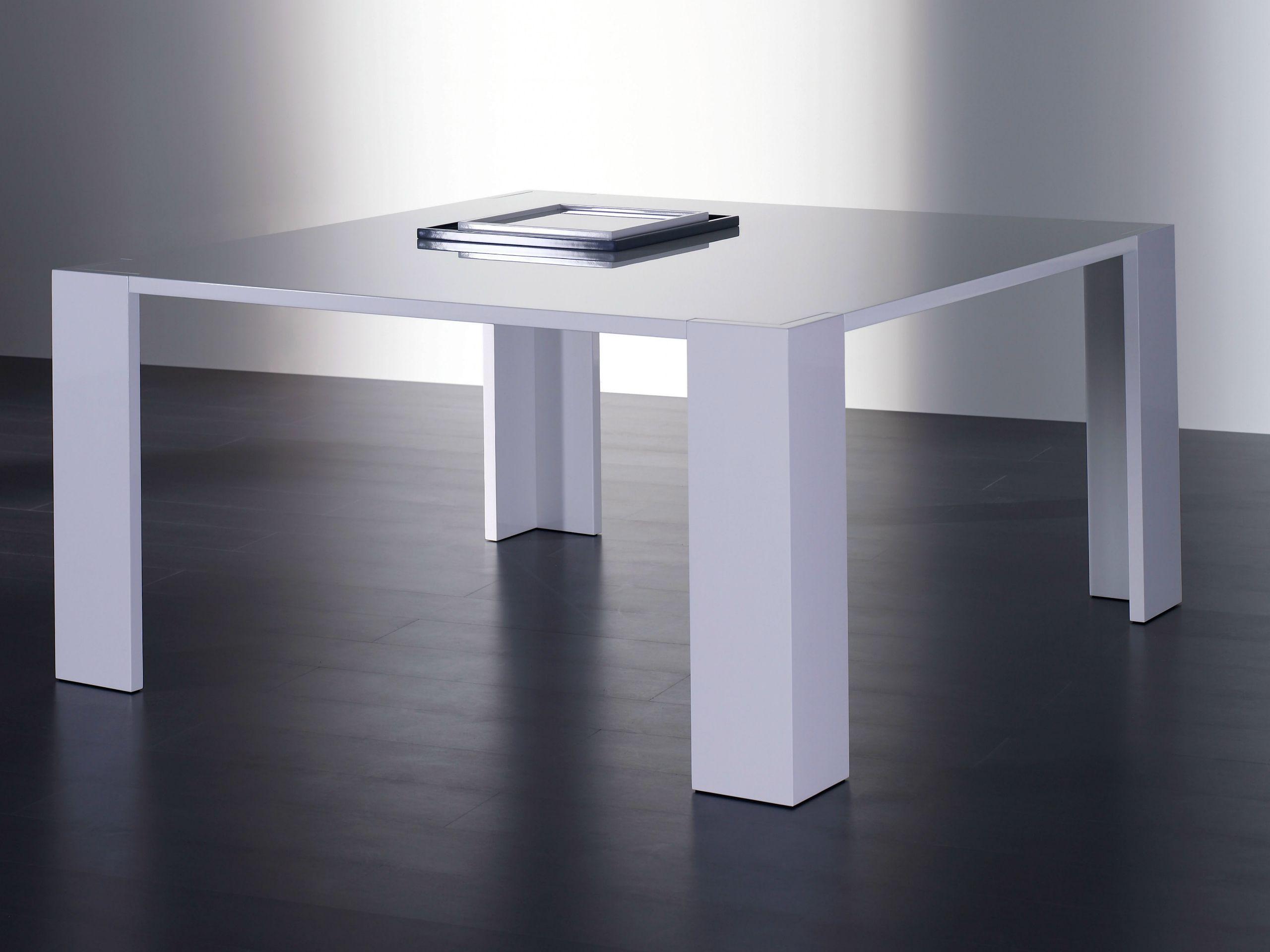 PLINTO | Tavolo quadrato By Meridiani design Andrea Parisio