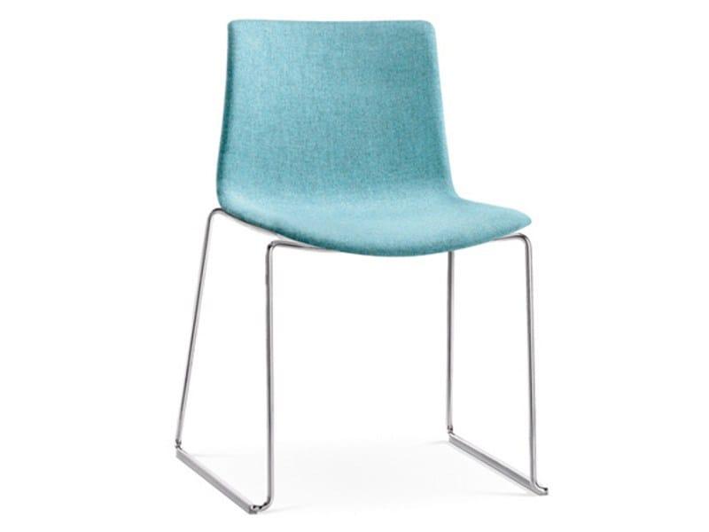 catifa 46 stuhl mit kufengestell by arper design lievore altherr molina. Black Bedroom Furniture Sets. Home Design Ideas