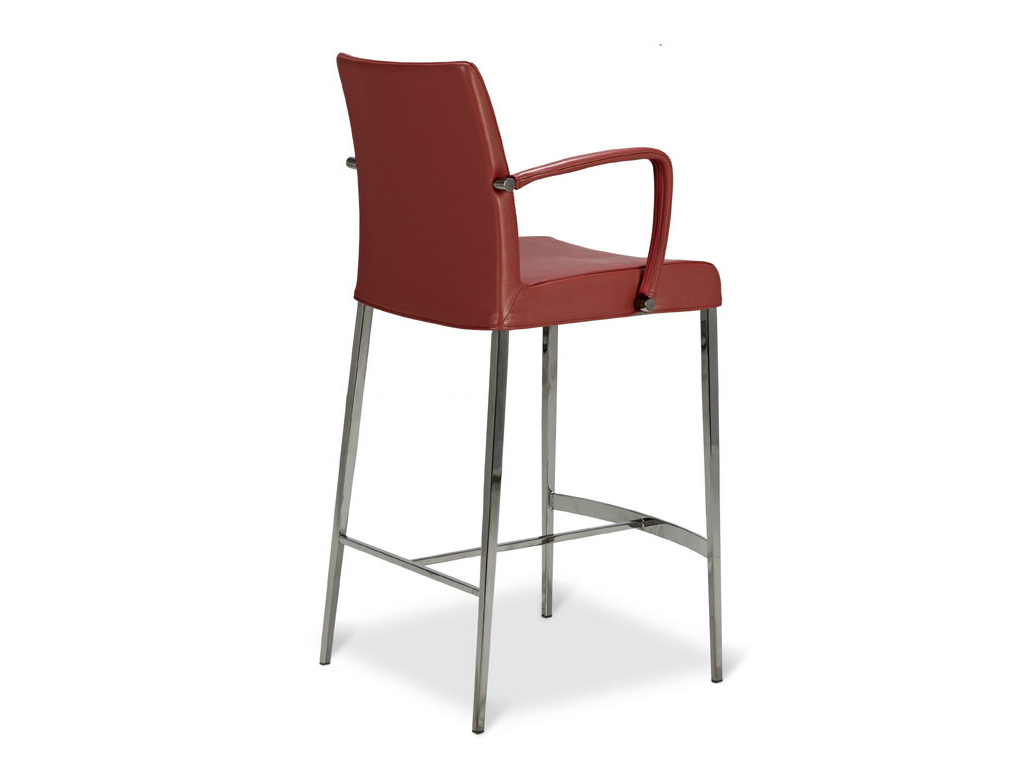 Chaise haute avec dossier beautiful free chaise de bar for Chaise haute avec accoudoir