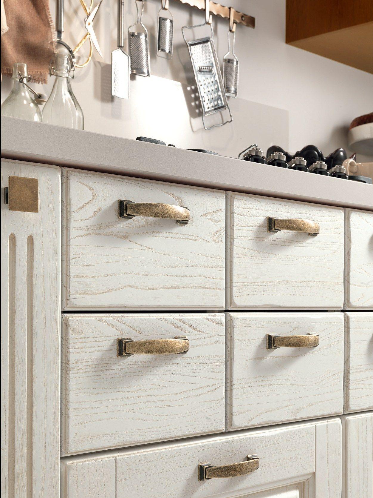 maniglie per mobili da cucina : Cucina in legno con maniglie LAURA ...