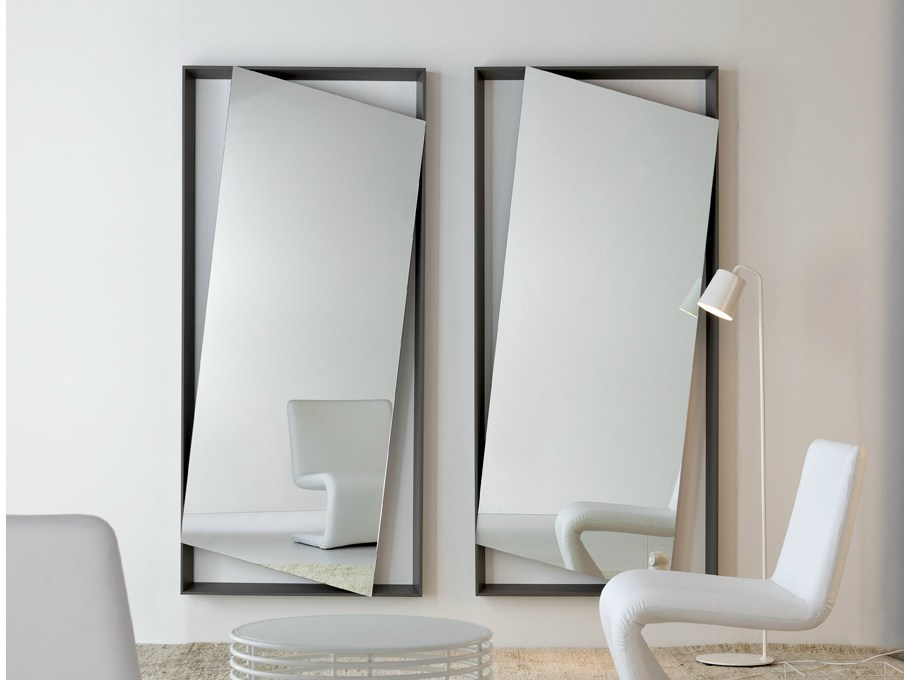 Wall mounted mirror hang up by bonaldo design andrea lucatello for Specchio enorme da parete