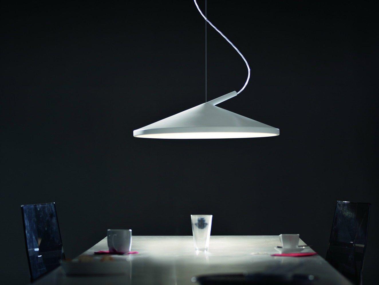 L mpara colgante con luz directa indirecta cone by - Lamparas que den mucha luz ...