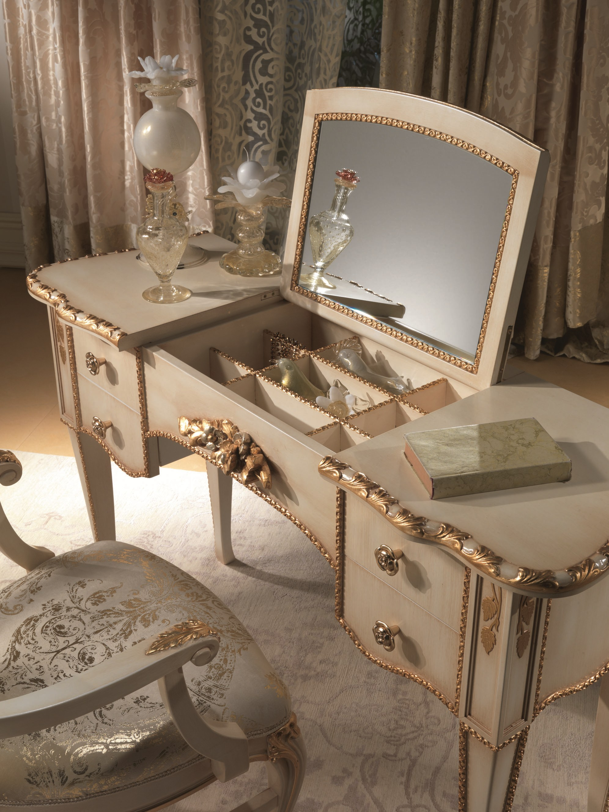 Vintage Makeup Vanity With Lights Saubhaya Makeup