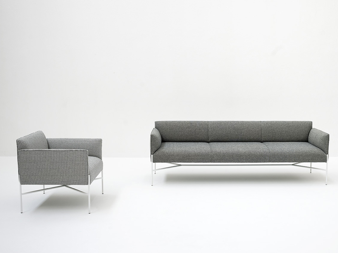 Chill out 3 seater sofa by tacchini design gordon for Sofa chill out exterior