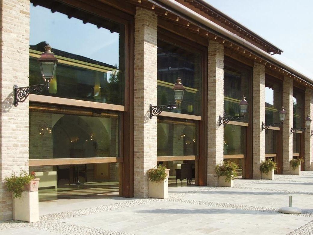 Sa91 finestra a ghigliottina by capoferri serramenti - Finestre a ghigliottina ...