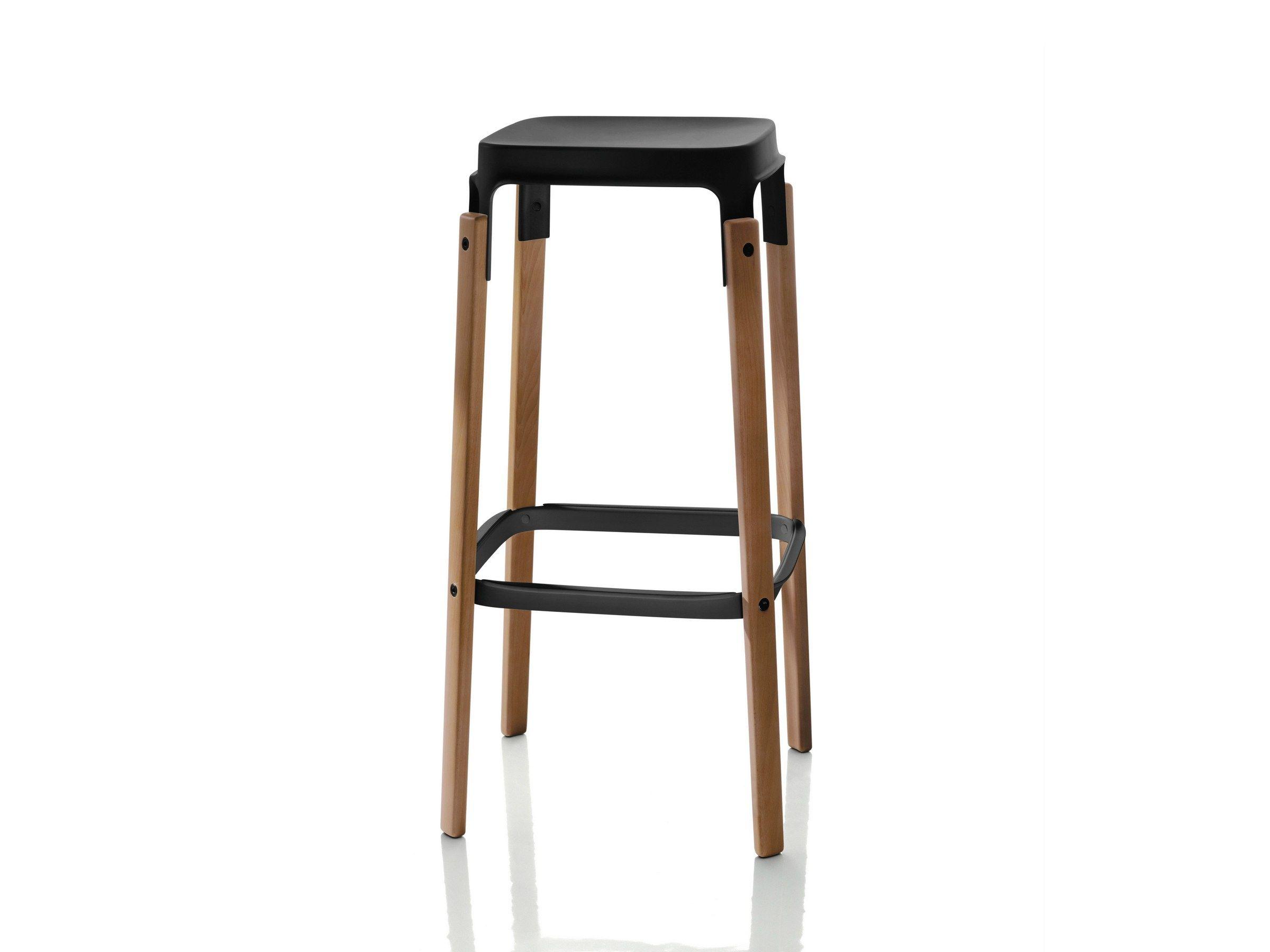 de product grcic one paire chair pour magis konstantin noires chaises