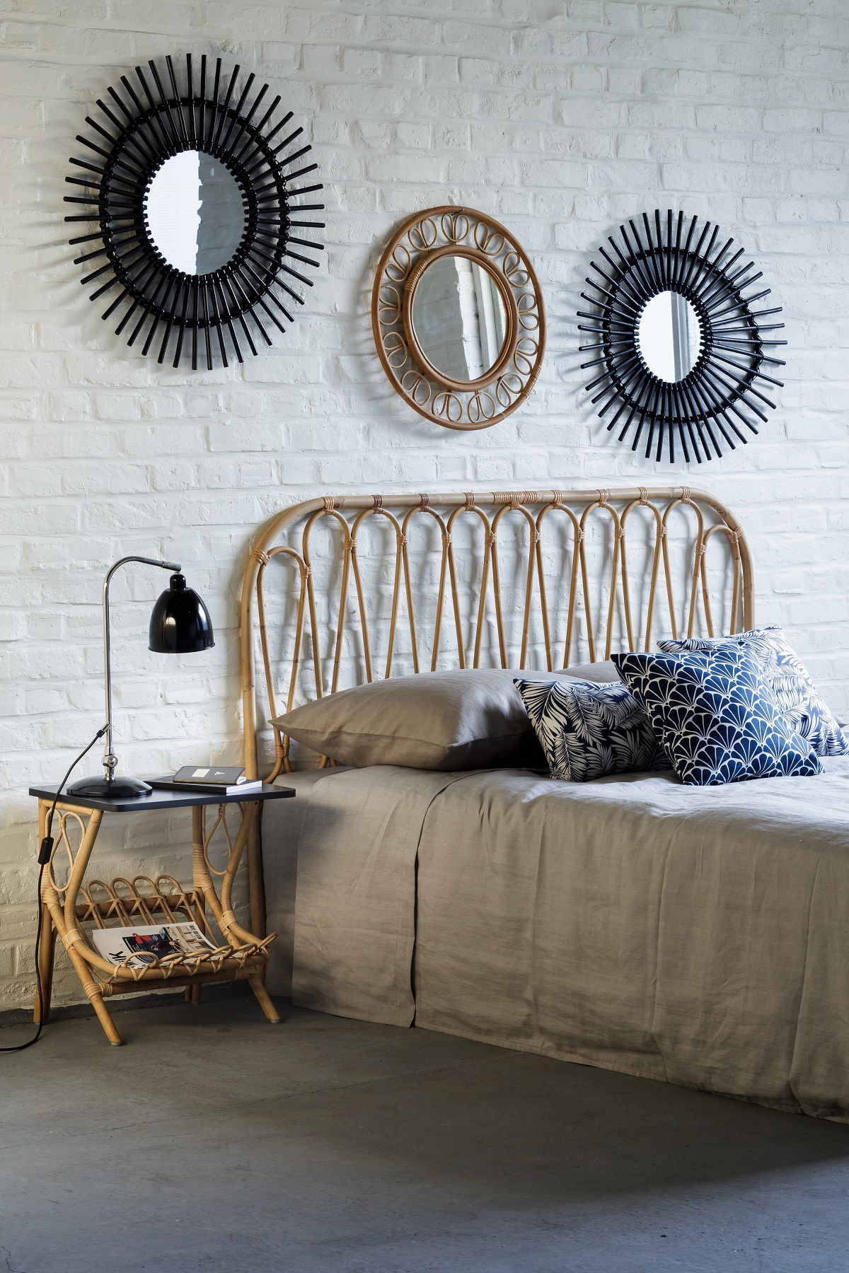 volutes headboard vintage collection by kok maison. Black Bedroom Furniture Sets. Home Design Ideas