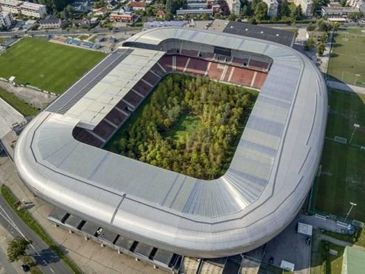 Un bosco nel bel mezzo di uno stadio di calcio? - image h_72180_01 on http://www.designedoo.it