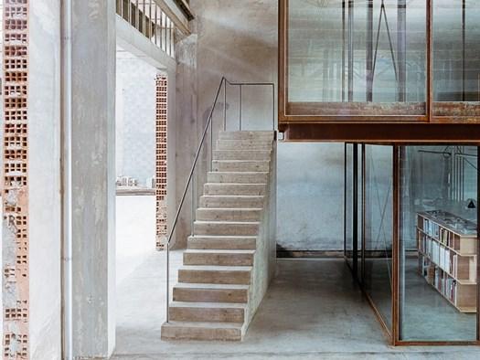 Uno studio di architettura ricavato in un ex edificio industriale - image h_73257_01 on http://www.designedoo.it