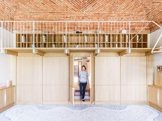 Uno studio legale in una residenza storica del XVIII secolo - image h_73652_01 on http://www.designedoo.it