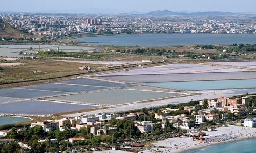 Una call per riconvertire le strutture ad uso industriale delle Saline Molentargius