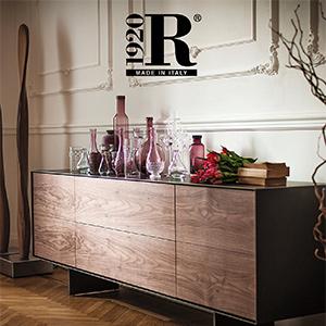 Le iconiche collezioni Riva 1920 in legno massello: scarica il catalogo