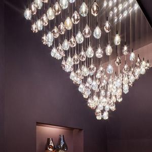 Illuminazione in cristallo Bomma: composizioni di luce per costellazioni infinite